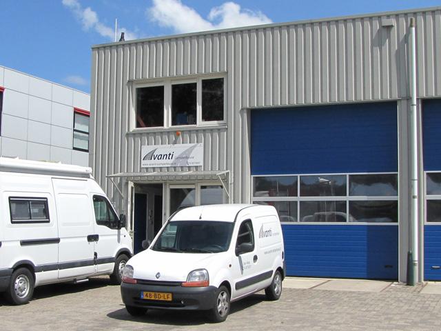 Bedrijfspand Avant Camperbouw Winkelhaak 75A Den Haag