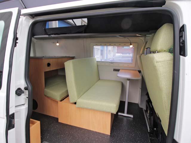 volkswagen t5 vw t5 slaapdak achter hoog avanti camperbouw. Black Bedroom Furniture Sets. Home Design Ideas